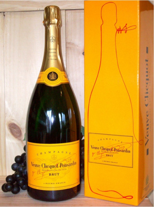 Veuve Clicquot Yellow Label Non Vintage Champagne Dry (Brut) Magnum 150cI (Gift